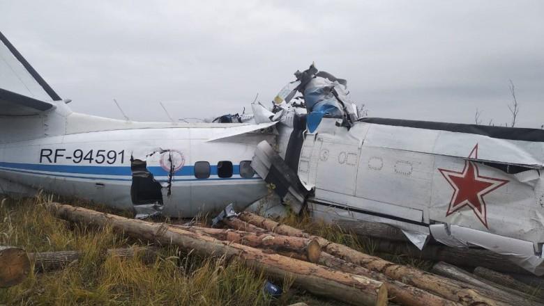 Foto Un avion cu paraşutişti s-a prăbuşit în centrul Rusiei. 16 persoane au murit 1 27.10.2021