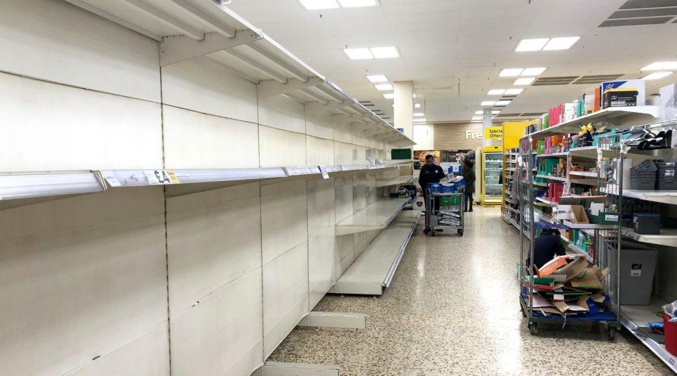 Foto /FOTO/ Criză de alimente în Marea Britanie. Nici urmă de carne, legume sau lapte în supermarketuri 1 17.10.2021
