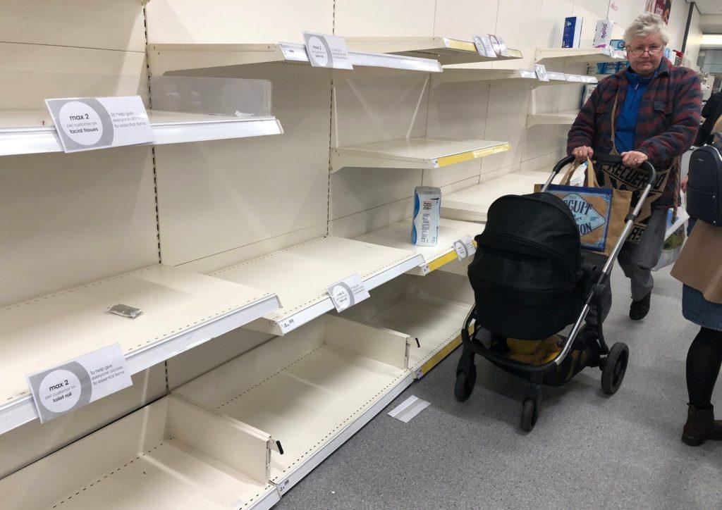 Foto /FOTO/ Criză de alimente în Marea Britanie. Nici urmă de carne, legume sau lapte în supermarketuri 2 17.10.2021