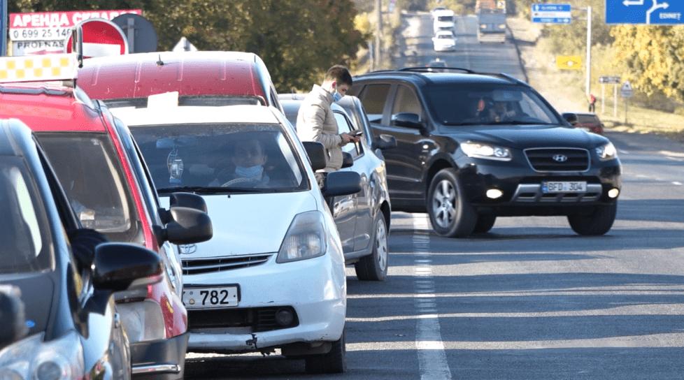 Foto /VIDEO/ Cozi imense la o stație PECO din oraș. Șoferii pot rămâne fără gaz metan 1 27.10.2021