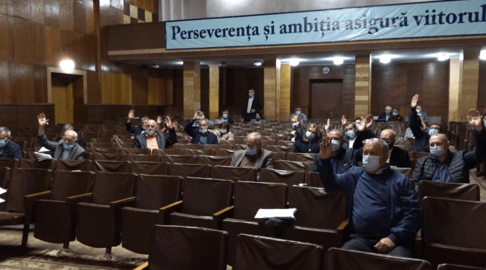 Foto /VIDEO/ Vot de neîncredere pentru un vicepreședinte al raionului Sîngerei. Acesta e suspectat de trafic de influență și conflict de interes 1 17.10.2021