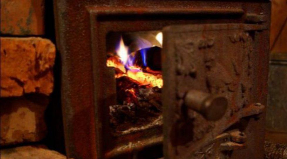 Foto /VIDEO/ Gospodarii și-au pregătit sobele pentru sezonul de încălzire. Cărbunii s-au scumpit deja de patru ori 1 27.10.2021
