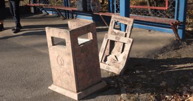 Foto /VIDEO/ Orașul Bălți rămâne fără tomberoane. Vandalii le distrug fără milă 5 27.10.2021
