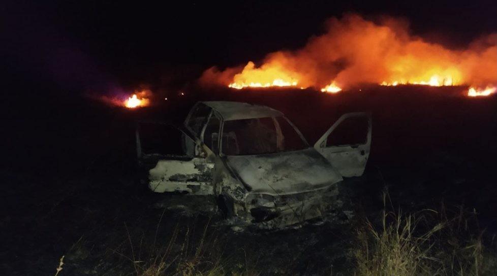 Un șofer în stare de ebrietate a ajuns cu mașina într-un câmp. Două persoane transportate la spital